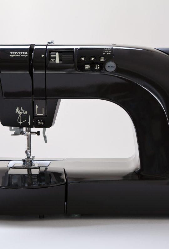 TOYOTA OEKAKI50 naaimachine zwart